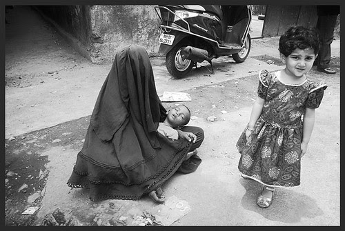 Bandras Youngest Street Photographer Marziya Shakir Shoots Muslim Beggars by firoze shakir photographerno1