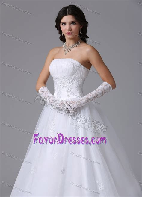 Ready to Wear 2014 Wedding Dresses with Appliques on