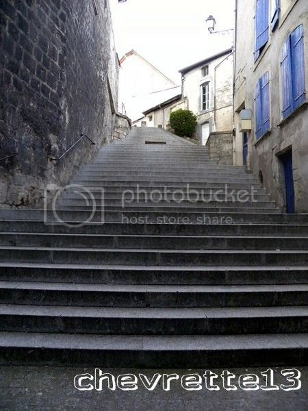 http://i1252.photobucket.com/albums/hh578/chevrette13/FRANCE/DSCN1804Copier_zpsa44c2c09.jpg