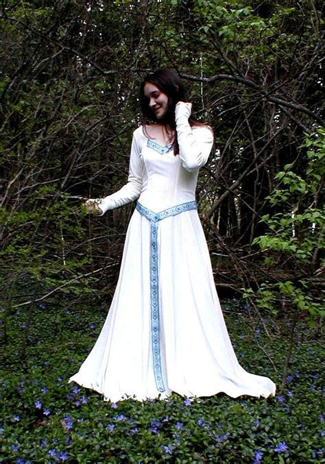 irish wedding gowns   celtic wedding gowns   Latest