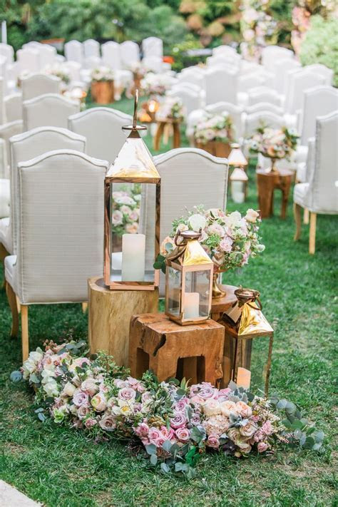 Ceremony Décor Photos   Wood Tables & Lanterns at Ceremony