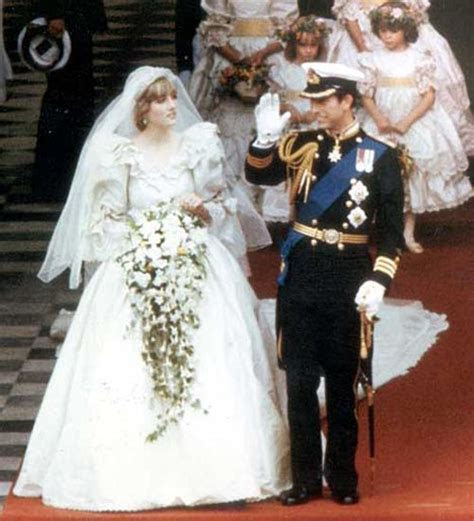 Princess Diana's dress designer turns to crowdfunding #
