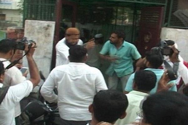 'भारत माता की जय' न बोलने पर मुस्लिम को मारा थप्पड़ के लिए चित्र परिणाम