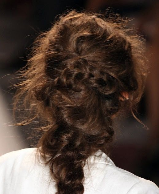 5 Hairbrushes Defying The Undone Hair Trend: Le Fashion: HAIR INSPIRATION: 3 ROMANTIC UNDONE LOOKS