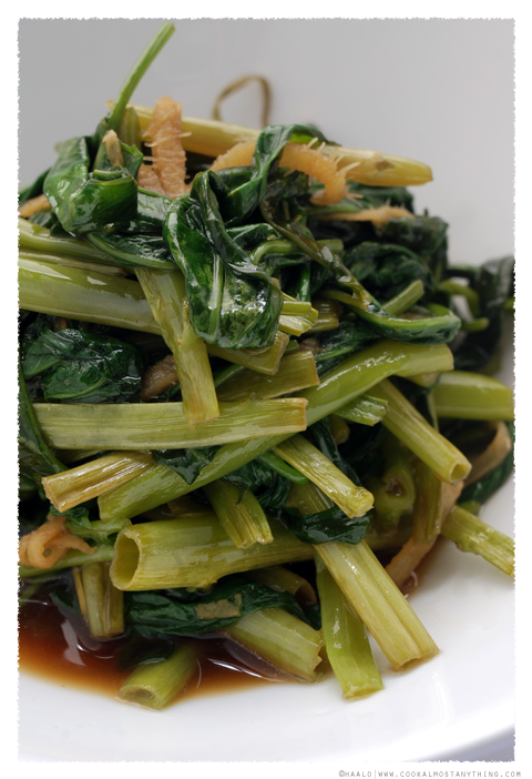 stir-fried water spinach© by Haalo