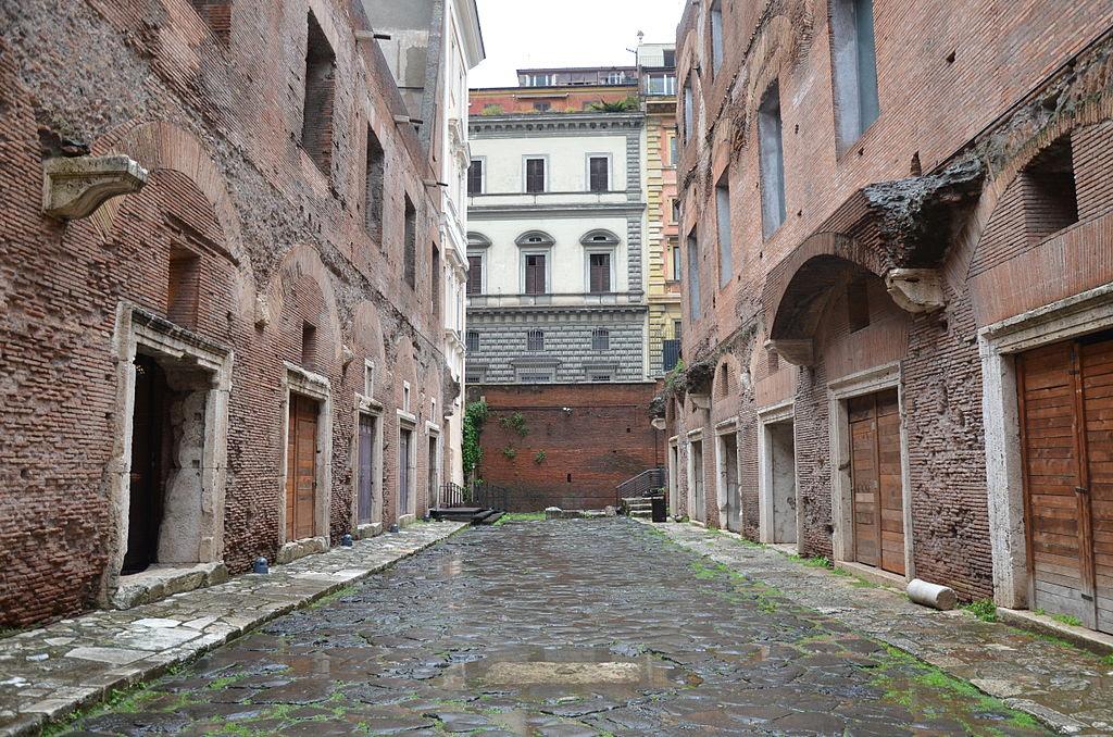 Trajan's Market, Imperial Forums, Rome (14275327654).jpg