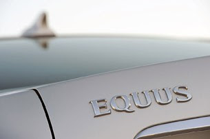 2011 Hyundai Equus Ultimate badge
