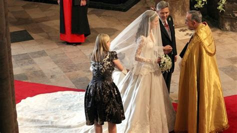 Alexander McQueen Designer Sarah Burton Keen to Make Kate