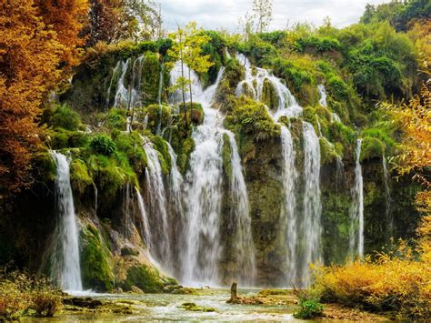 plitvice national park croatia autumn scenery hd wallpaper