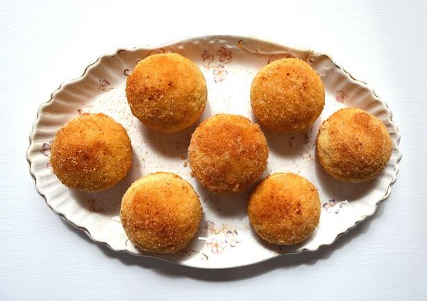 cinnamon sugar muffins 1