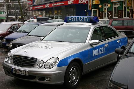 ferrari police car ferrari 612 scaglietti with police car colour
