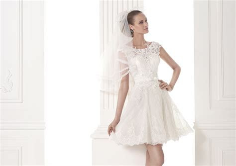 17 Coolest Variants of Short Wedding Dresses   The Best