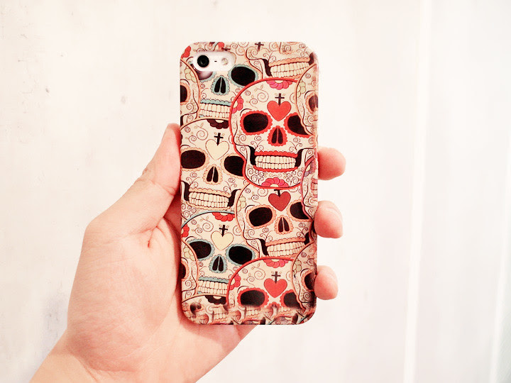 skull iphone cover from covermybagel