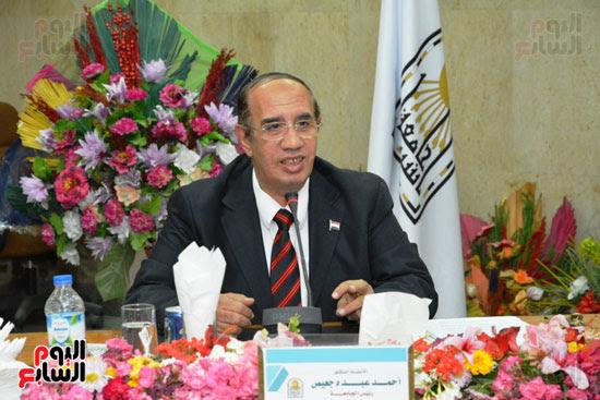 اجتماع مجلس جامعة أسيوط (2)