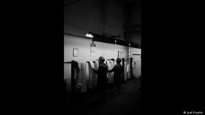 Trabalhadores romenos da indústria têxtil