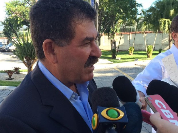 Paulo Mello comenta situação de jovem vítima de estupro coletivo (Foto: Henrique Coelho/G1)
