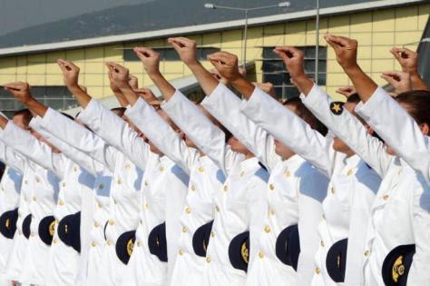 `Περικοπές στους στρατιωτικούς θα γίνουν`. Τι λέει  στέλεχος της ΔΗΜΑΡ,τι ποσοστό δίνει