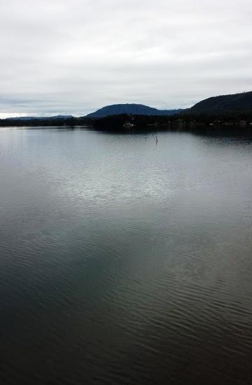 A caminho de Patos de Minas: Rio Grande em Rifaina, SP