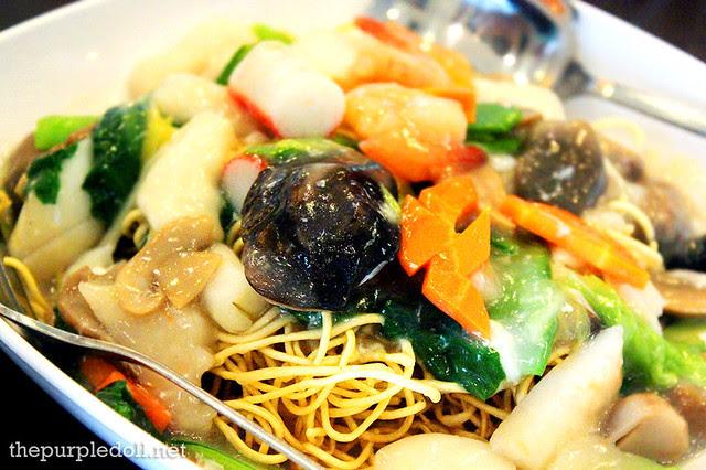 Seafood Crispy Noodles P315