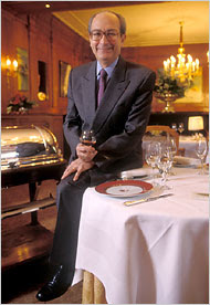 Jean-Claude Vrinat, Owner of Famed Paris Restaurant, Is Dead at 71