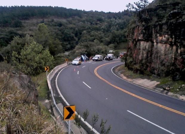 acidente rodovia paraná ônibus 1 (Foto: Divulgação/Polícia Rodoviária Estadual)