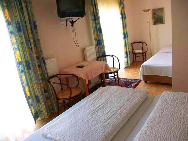 Price Hotel Garni Lehenerhof
