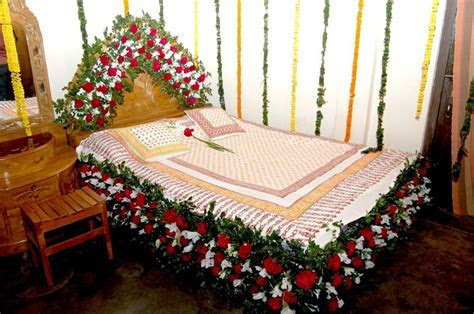 Tips How to Decorate Wedding Room Decorations