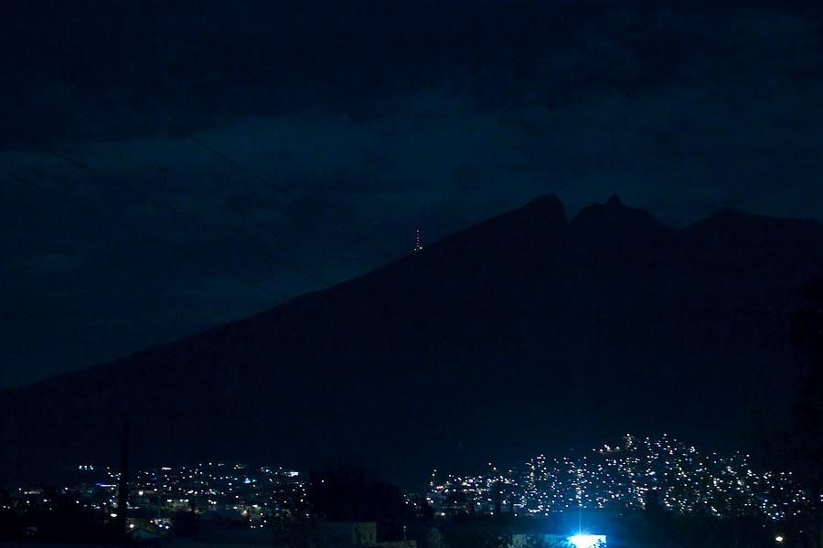 Mty de noche