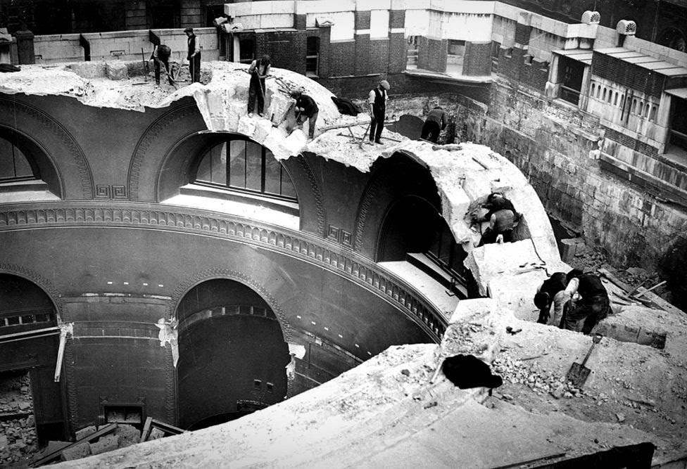 """Demolition of the """"old bank"""", Bank of England, London, 1920s/30s"""