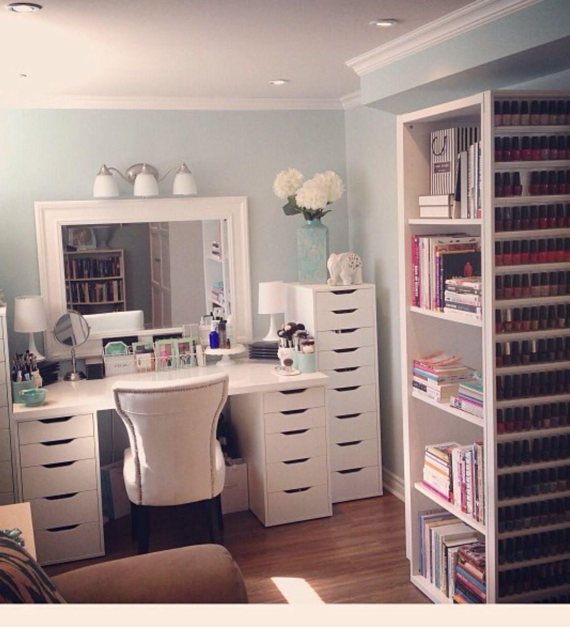 Makeup room pictures