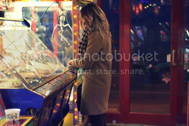 girl on slot machine
