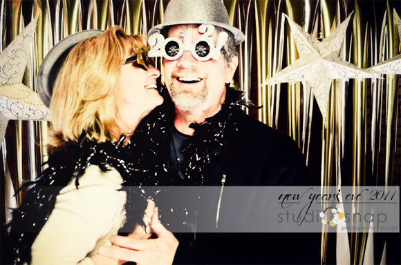Diy Photobooth Ideas For New Years Eve At Home With Kim Vallee
