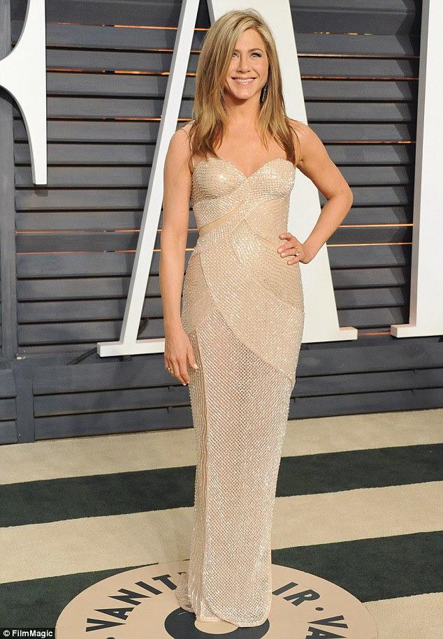 Burada hiçbir diyetler!  Resimdeki ehre 2015 Vanity Fair Oscar Partisi Şubat ayında - Son zamanlarda Yaşam Kanıtı Instagram hesabı üzerinden çekerken Jennifer Aniston onu karbonhidrat dolu yemek enstantane paylaştı
