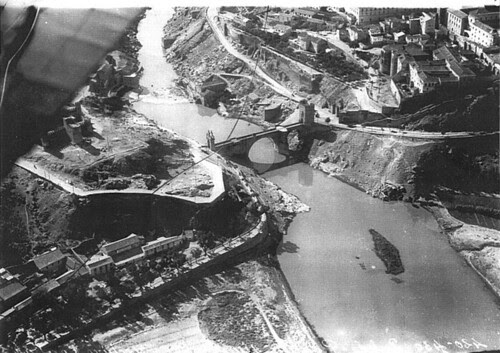 Foto aérea del Puente de Alcántara (Toledo)