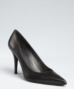 Stuart Weitzman Daisy Point Toe Pump