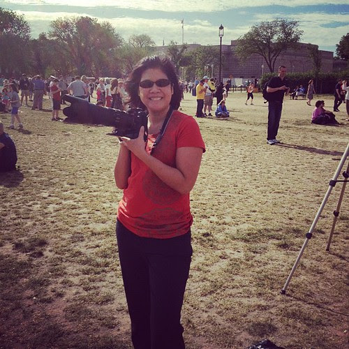 @arlenesnotes with her massive camera ready to catch the shuttle fly over for Kids.gov
