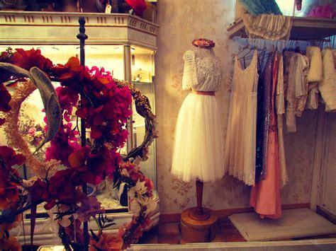 L?Arca, Barcelona Bridal Shop Made Kate Winslet's Titanic