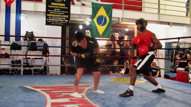 A última luta terá um espectador especial:  Popozinho, de cinco anos, o único dos seis filhos que não viu o pai nos ringues