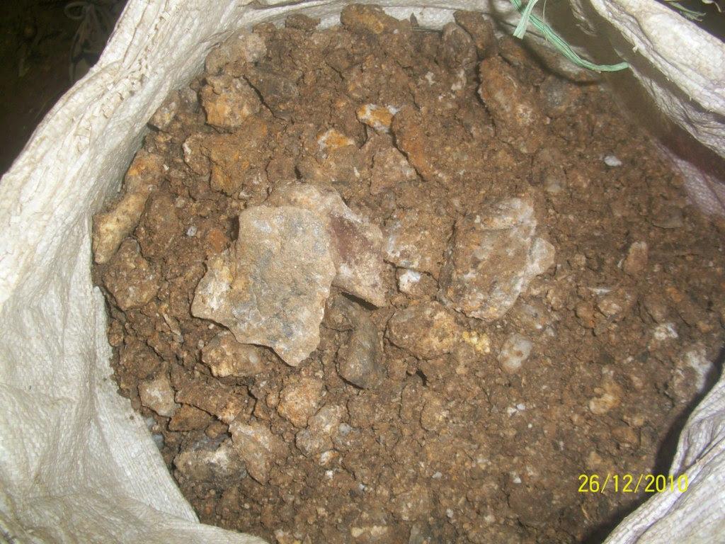 Ciri Batu Urat Emas