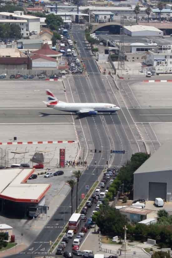 2. Gibraltar Aeroporto Internacional, Gibraltar