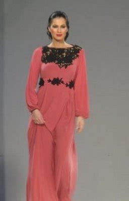 Pink Abayas for Pink October   Arabia Weddings