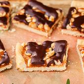 mazurek orzechy-karmel-czekolada