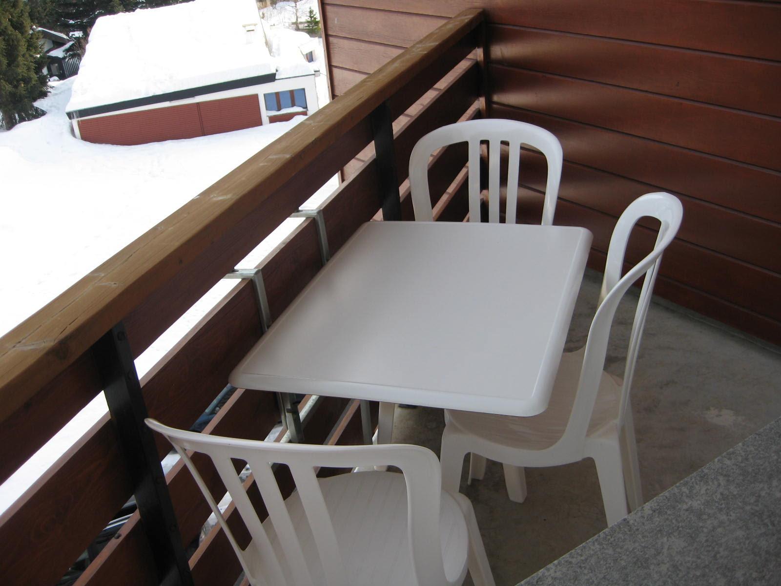 table et chaises de terrasse table de balcon rabattable. Black Bedroom Furniture Sets. Home Design Ideas