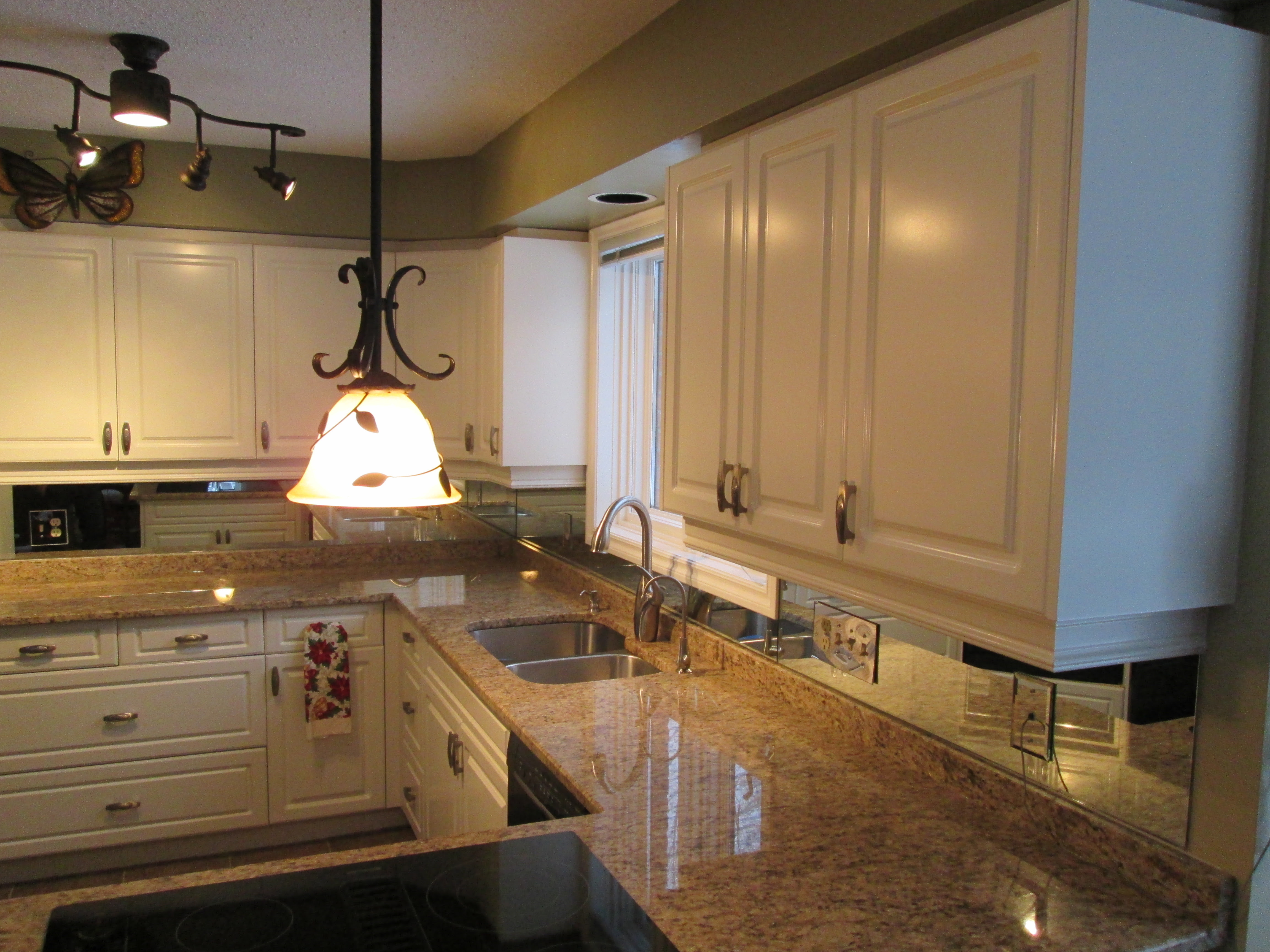 Kitchen Cabinet Repainting   Clean-State Painting