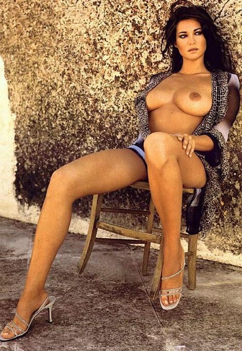 http://static.guide.supereva.it/guide/top_model_/manuela-arcuri-nuda-e-sexy/big_033.jpg