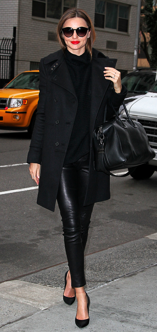 LE FASHION BLOG MIRANDA KERR MODEL OFF DUTY ALL BLACK BLACK ON BLACK NEW YORK CITY FEBRUARY 2013 RED LIPS LIPSTICK ROUND SUNGLASSES  BLACK COAT TEXTURED SWEATER SKINNY LEATHER PANTS GIVENCHY ANTIGONA CLASSIC BLACK PUMPS HEELS  DIAMOND RING