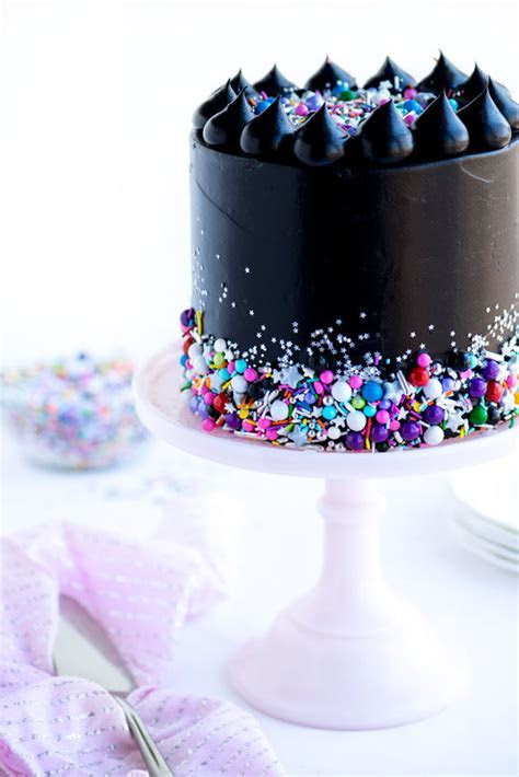 Rocker Themed Cake Decor : Black Frosting