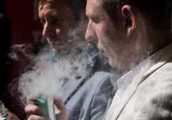 «Μάστιγα» η κατάθλιψη για τις γυναίκες - Ποτό και κάπνισμα οι άνδρες
