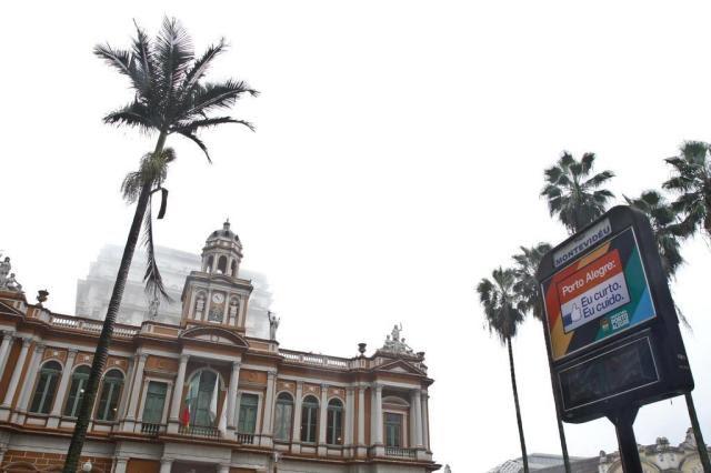 Lançado novo edital para licitação dos relógios de rua de Porto Alegre Joel Vargas/PMPA