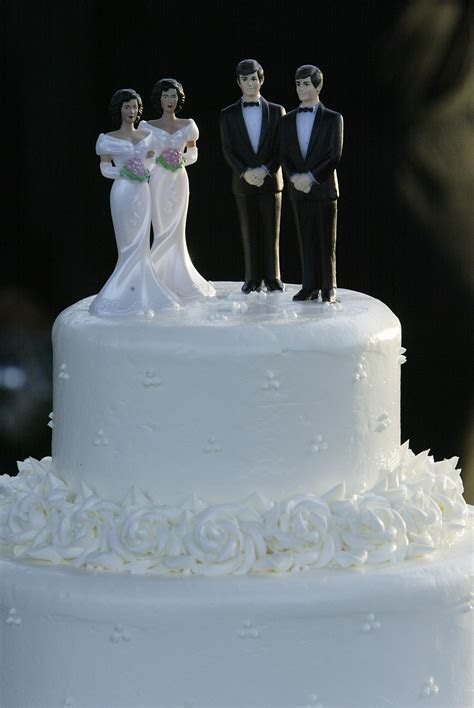 Wedding cake is 'artistic expression' that baker may deny